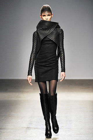 Narrow quilting to provide fabric structure. Gareth Pugh, Autumn-Winter 2010. The Cutting Class.
