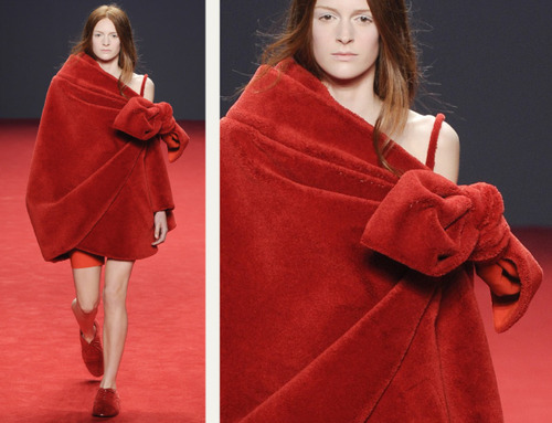 Big Red Carpet Bows at Viktor and Rolf | The Cutting Class. Viktor and Rolf, Haute Couture, AW14, Paris, Image 10.