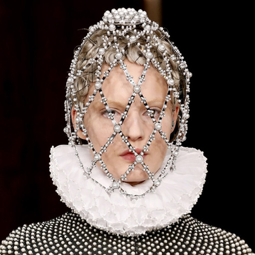 Creating Cartridge Pleats | The Cutting Class. Alexander McQueen, AW13, Paris. Example 2 of cartridge pleats embellished with pearls.
