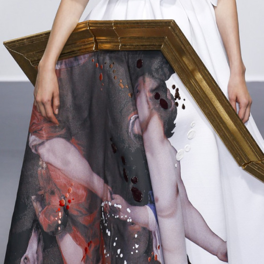Balancing Frames and Canvas at Viktor & Rolf | The Cutting Class. Viktor & Rolf, Couture, AW15, Paris, Image 10.