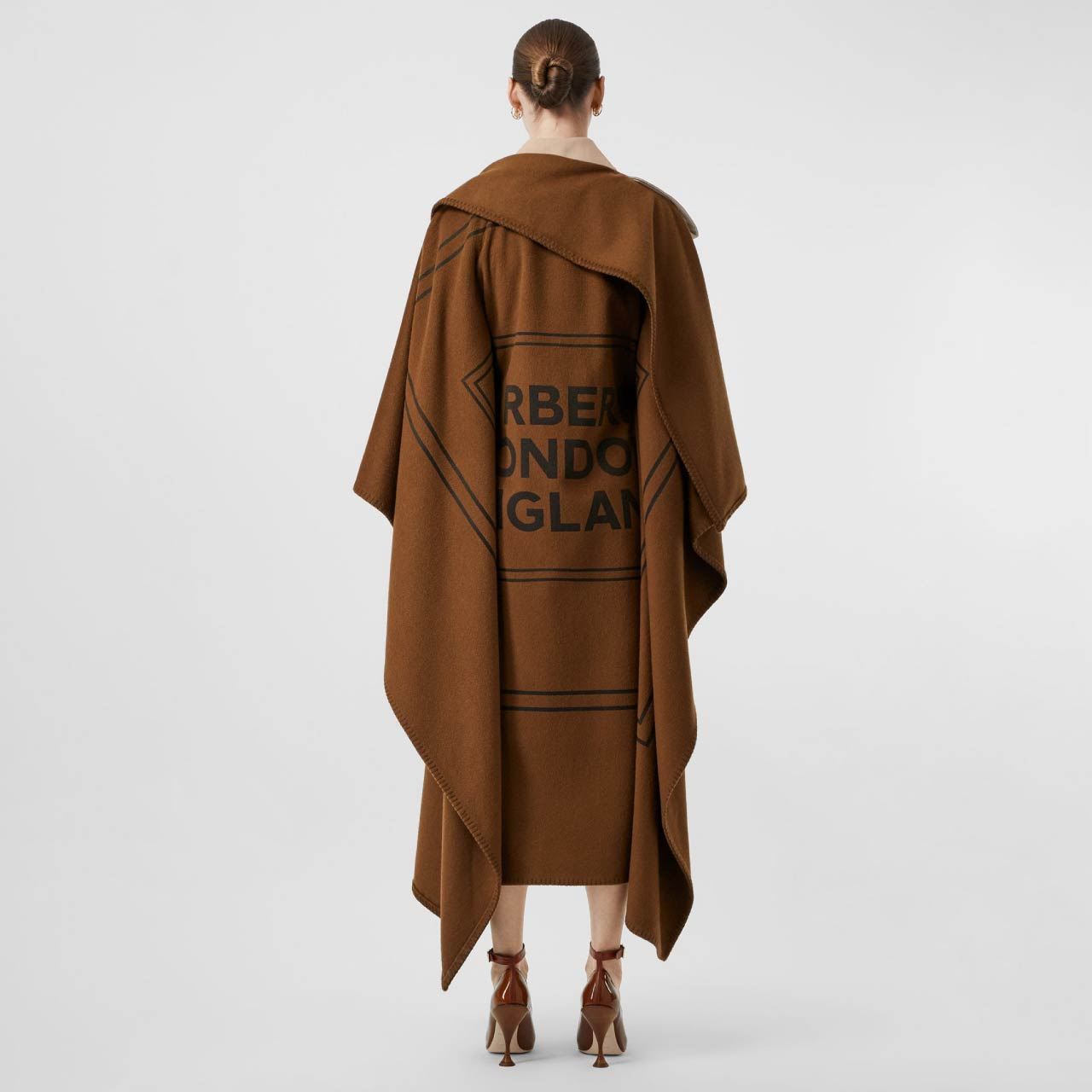 Burberry Trench Coat Details| The Cutting Class. Classic trench coat with detachable cashmere blanket, back view.